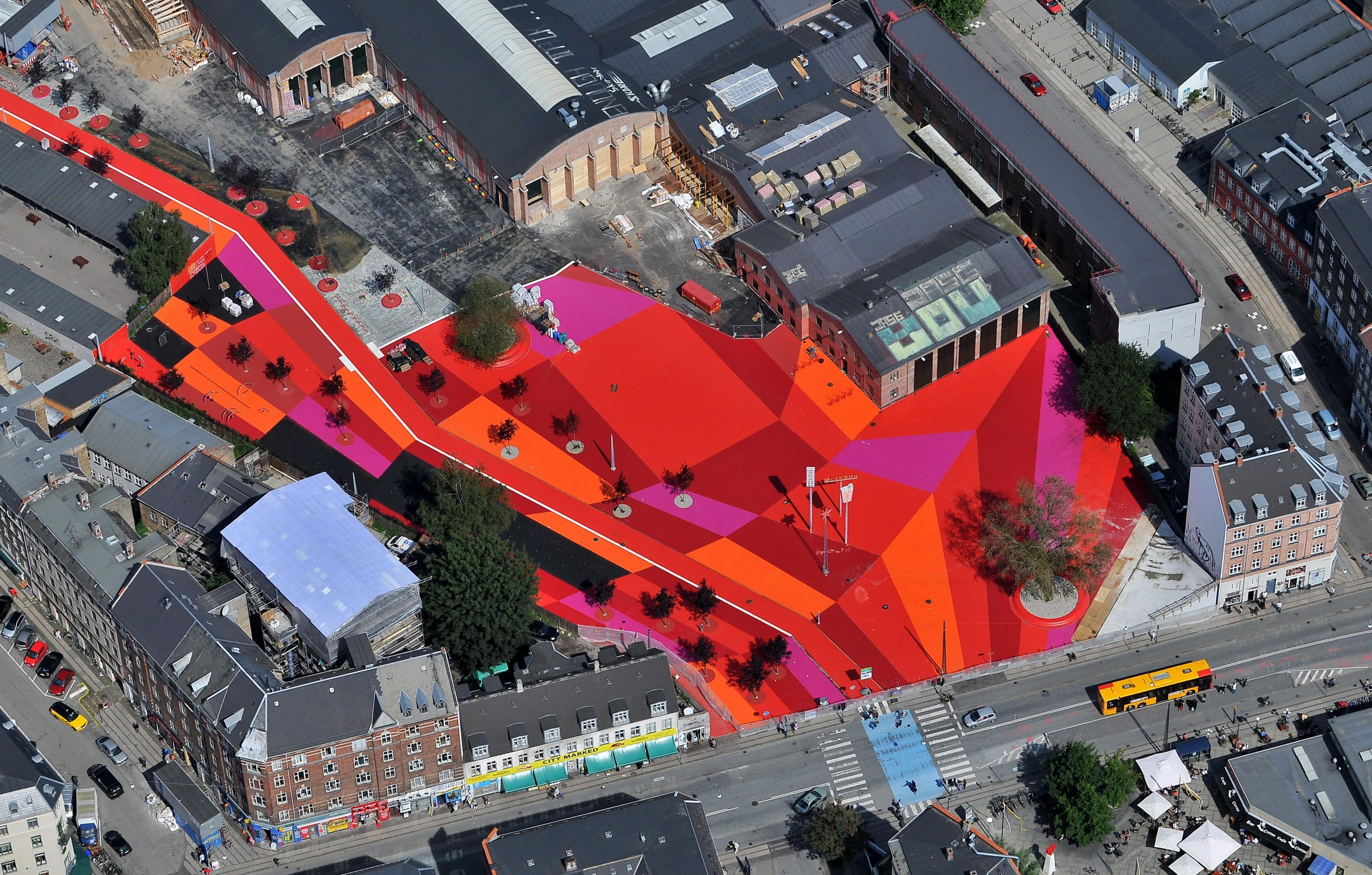 4305a26acc92 Superkilen åbner  En verdensudstilling på Nørrebro